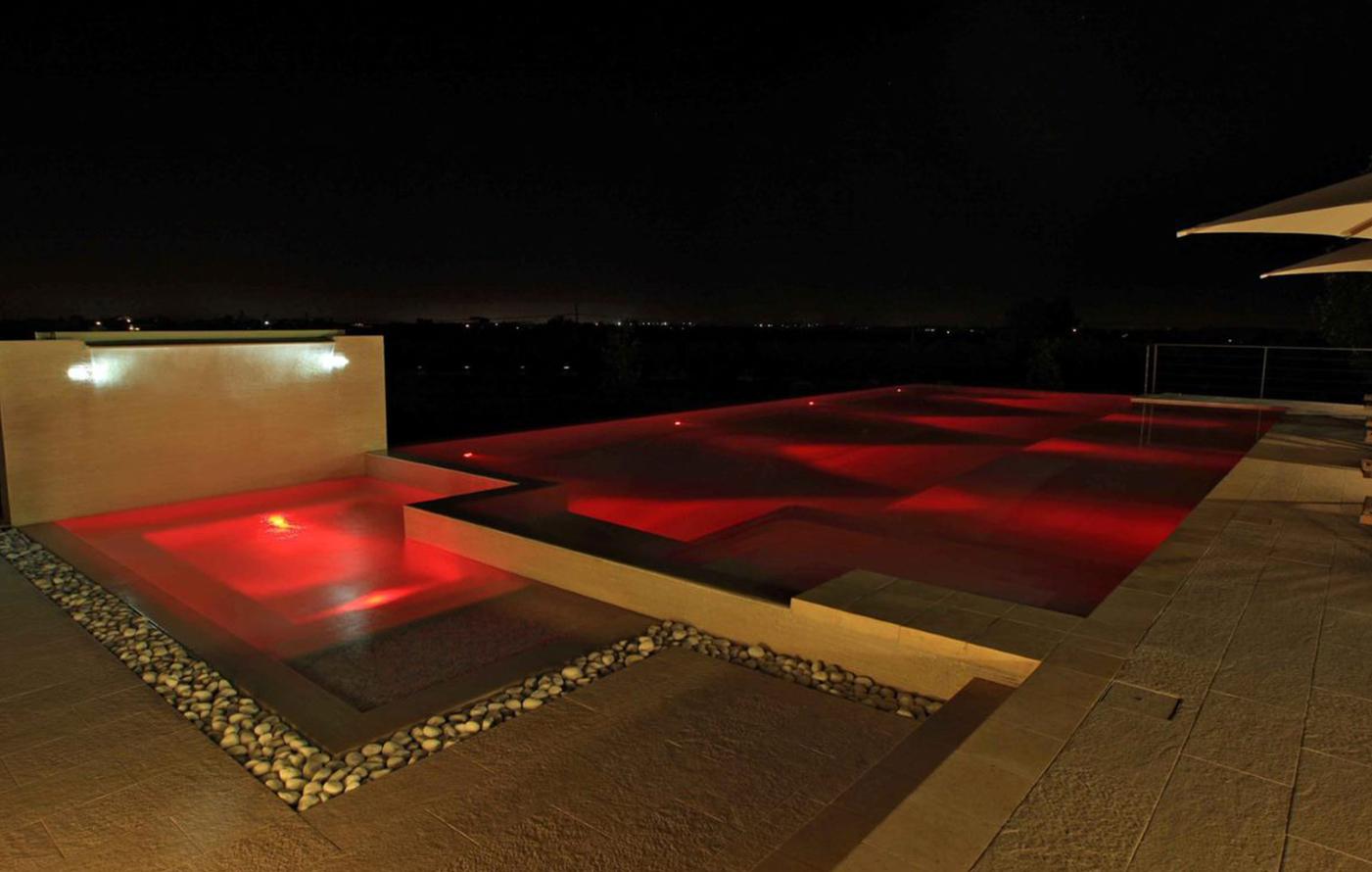 agriverde-illuminazione-piscina-fari-subacquei-led-colorati-01